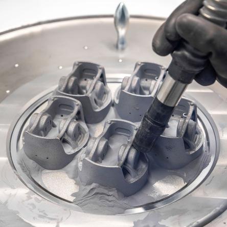 Laser metal fusion 3D printed pistons
